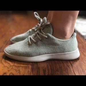 Throwback mint wool runners